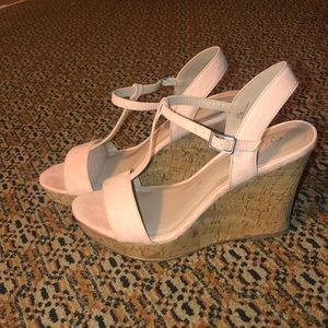 Blush wedges